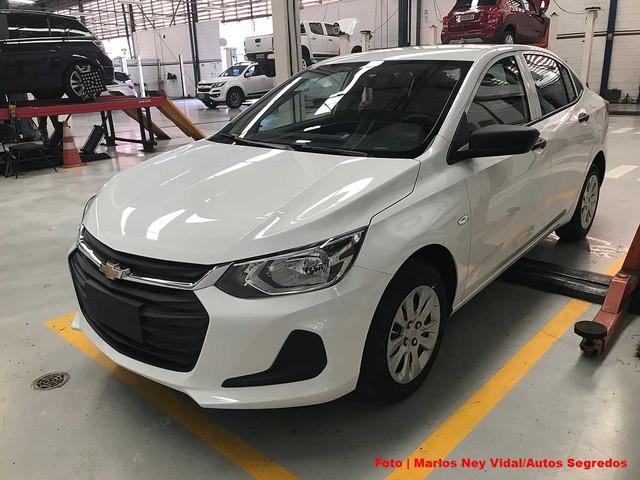 Confira como é a versão mais barata do Chevrolet Onix Plus Turbo 2020