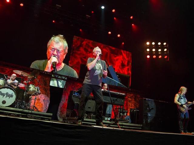 Deep Purple comanda noite incendiária de rock entre cinquentões, sessentões e setentões
