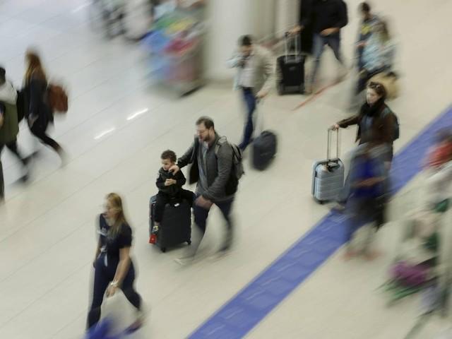 Crise aérea, cobrança por mala e assento: os desafios das férias de julho
