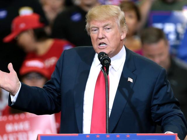 Twitter decide banir Trump por risco de incitação à violência