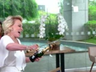 """Ana Maria Braga comemora 20 anos de Mais Você e decreta o fim do programa: """"Culpa de vocês"""""""