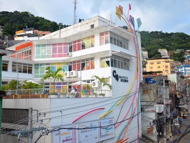 Rio de Janeiro Reopens Popular Library in Rocinha Favela