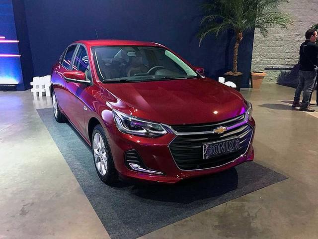 Chevrolet Onix Plus Turbo: Confira itens de série, opcionais e versões