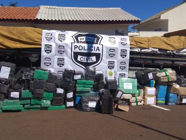 Polícia apreende maconha e cocaína escondidas em carga de grão-de-bico