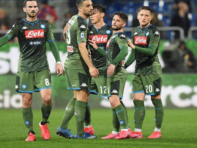 Napoli encara Brescia para se manter na briga por vaga na Liga Europa
