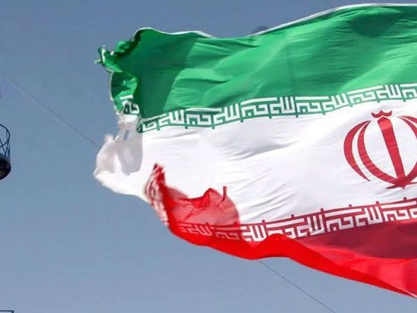 Forbidden to Refuel, two Iranian Ships Stranded in Paraná Port Because of U.S.