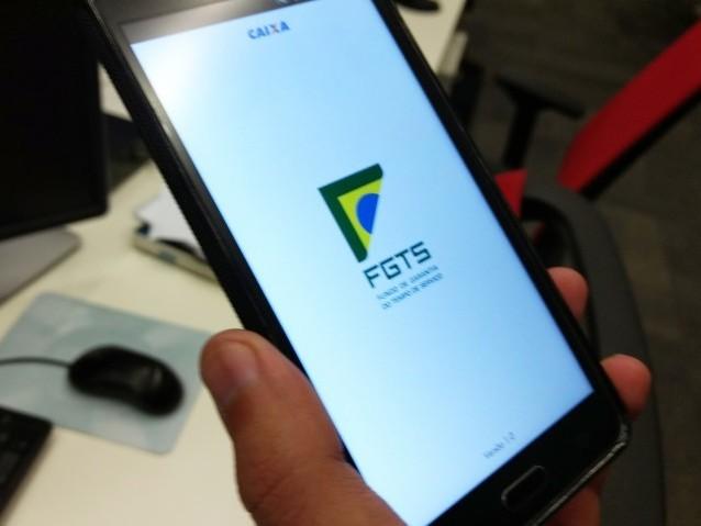 """Apps """"informais"""" do FGTS lucram após anúncio de liberação do saque de contas ina"""