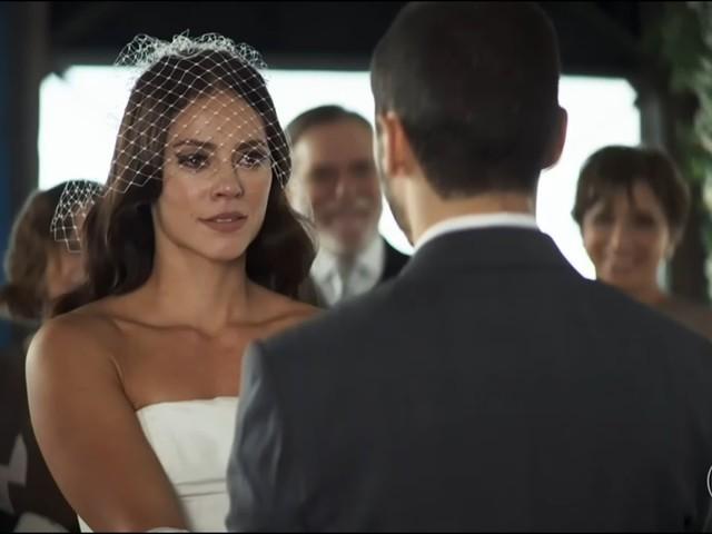 A Dona do Pedaço: Vivi larga Chiclete e retoma noivado com Camilo após humilhação