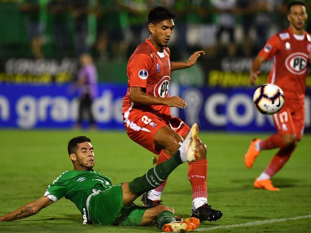 Com um a mais, Chape é eliminada por time chileno na Sul-Americana