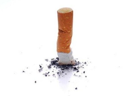 Josias de Souza | Governo processa fabricantes de cigarros