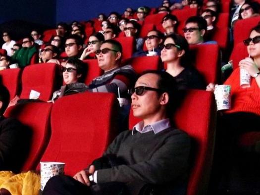 COVID-19 | Depois de reabrir salas de cinema, China decide fechá-las novamente