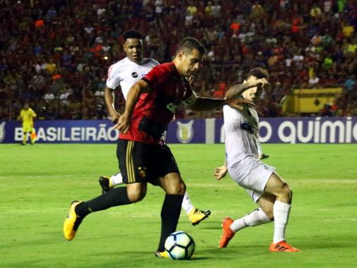 Sport empata com Santos e soma 7 jogos sem vitória como mandante no Brasileiro