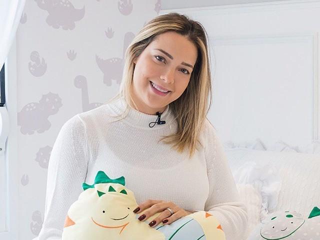 Carol Dantas aparece com filho recém-nascido pela primeira vez no Instagram; vem ver!