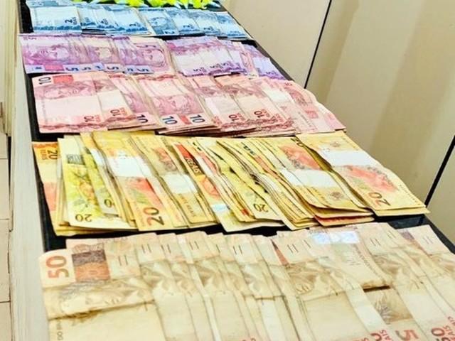 Suspeito flagrado com drogas tenta subornar PMs com R$ 4,1 mil para não ser preso em São Carlos