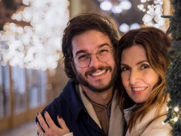 Fátima Bernardes assume ter descoberto a senha do celular de Túlio Gadêlha e tem reação surpreendente