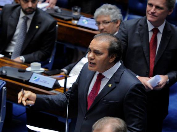 Congresso aprova MP que libera saque das contas inativas do FGTS