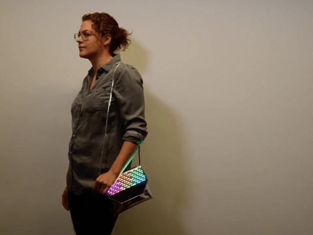 Designer mistura arte e cultura maker para empoderar mulheres na tecnologia
