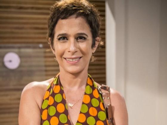 Andrea Beltrão vai à falência após decisão de Bolsonaro e anuncia trabalho como faxineira