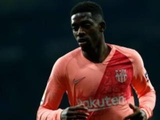 Após se destacar em goleada do Barça, Dembélé chega duas horas atrasado a treino