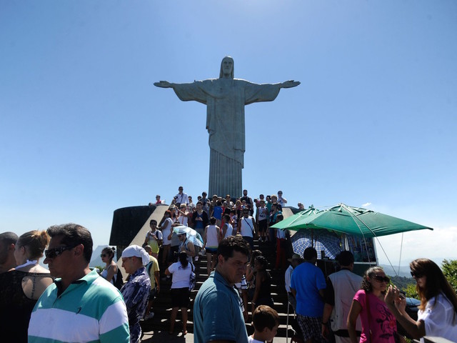 Brazil E-Visas Hope to Increase U.S. Tourism by 200,000 Per Year