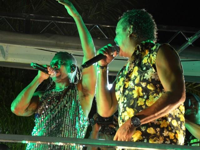 É o Tchan faz show no carnaval de Cabedelo, PB, nesta terça-feira (25)