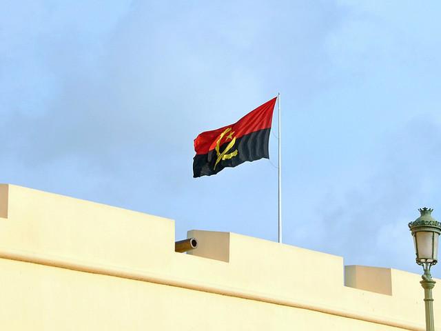 Protestos em Luanda contra salários em atraso