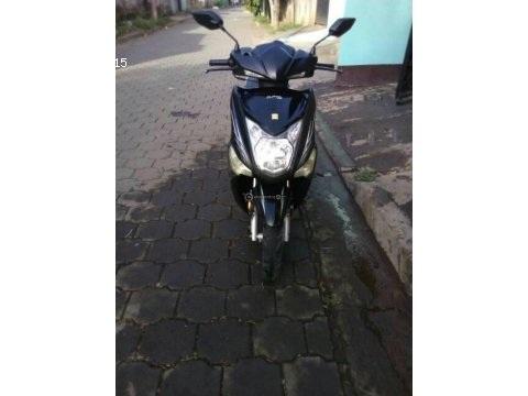 Moto escuter 125