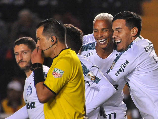 """Gustavo Gómez: """"Palmeiras teve 15 dias para trabalhar e demonstrou isso"""""""