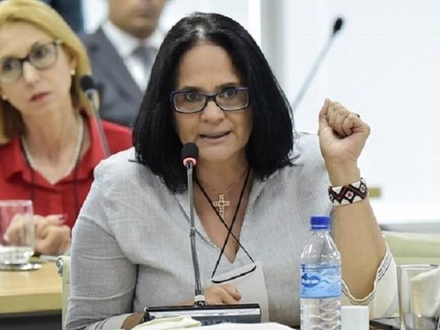 """Damares: """"Brasil é o pior país da América do Sul para criar meninas"""""""