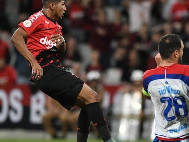Athletico reencontra caminho da vitória diante do Bahia