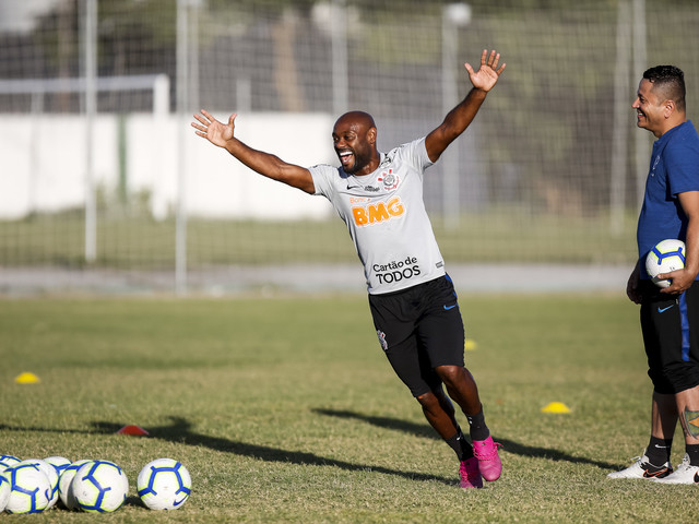 Veja as fotos do treino do Corinthians em Fortaleza