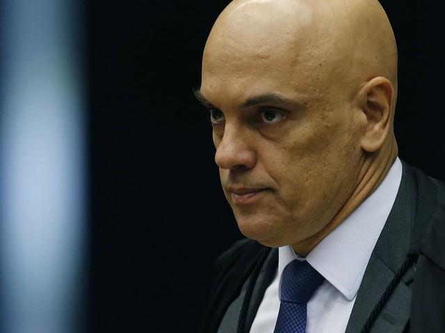 Blogueiro vem sistematicamente descumprindo medidas cautelares, diz Moraes