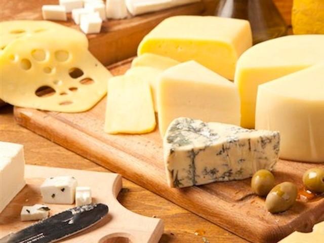 Saiba quais são os queijos menos calóricos e não estrague a dieta