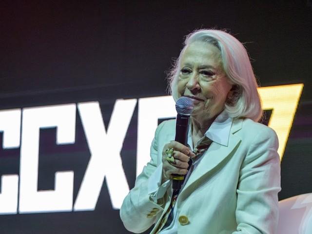 Foi difícil segurar as lágrimas na homenagem à Fernanda Montenegro na CCXP 2017