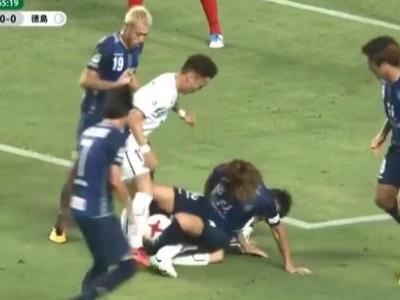 Se tivesse Puskas para gol estranho, este na segundona japonesa seria candidato