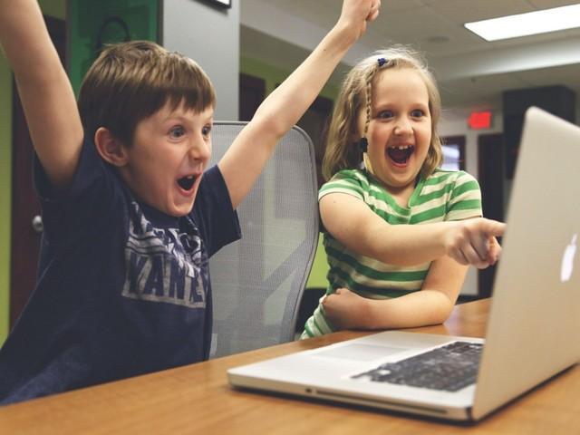 Evento bate recorde mundial de crianças programando juntas em um dia