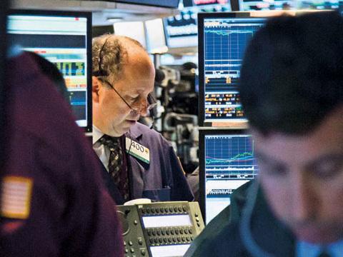 Bolsa portuguesa abre em sentido negativo com perdas do BCP e retalho