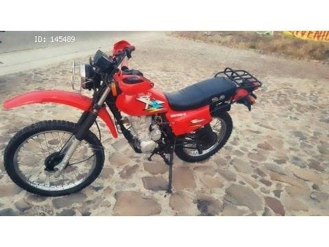 Moto montañera Adelante 150cc