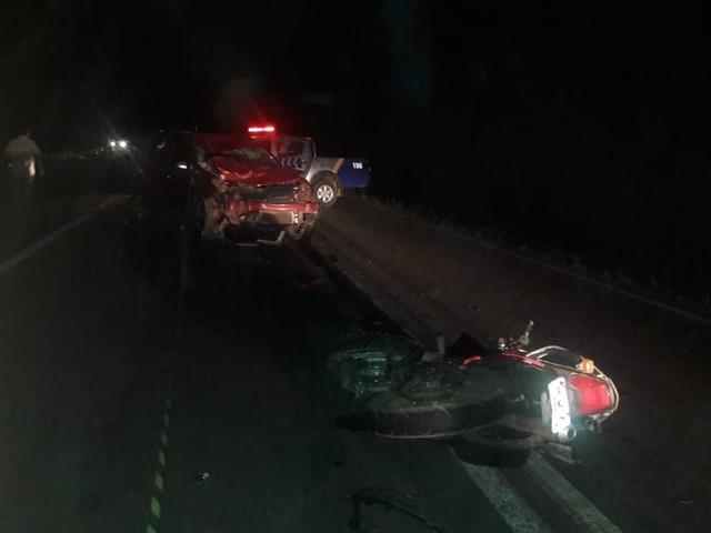 Motociclista morre após bater de frente com carro na TO-080
