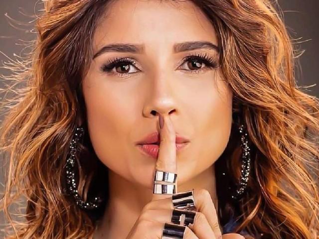 Sem Luan Santana, Paula Fernandes canta 'Juntos' com fãs: 'Melhor Bradley Cooper que poderia ter'
