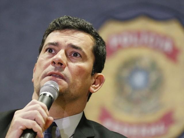 Cobrou pedido de desculpas | Após presidente da OAB falar sobre Bolsonaro e Marielle, Moro rebate: 'Militante'