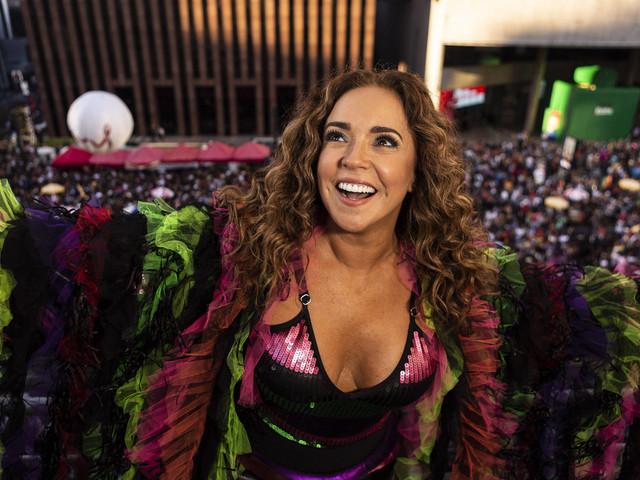 Em turnê nos EUA, Daniela Mercury fala sobre o Brasil: 'estamos lutando pela democracia'