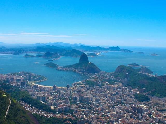 Rio de Janeiro fecha comércio na orla, adota toque de recolher e proíbe eventos