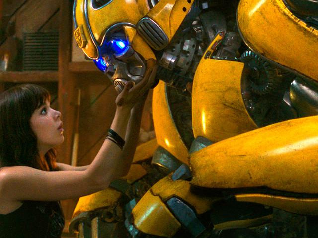 """A Hasbro mandou avisar que """"Bumblebee"""" é um reboot da franquia """"Transformers"""""""