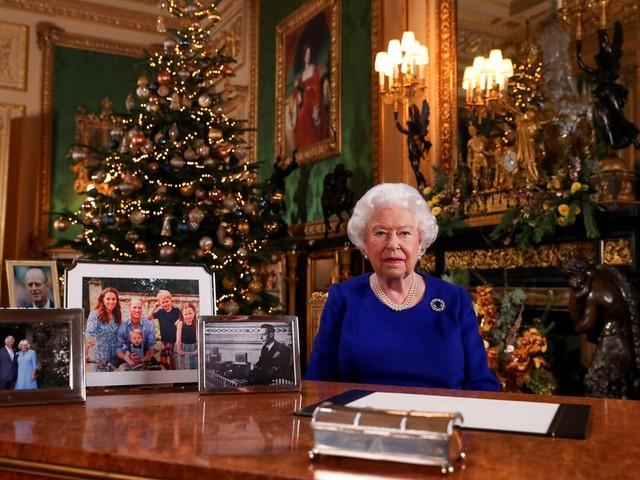 Rainha Elizabeth II celebra 'compromisso' dos jovens com mudança climática