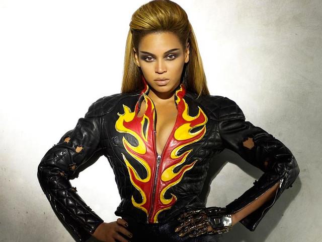 """Assim, do nada, a Beyoncé lançou uma nova versão de """"Sweet Dreams"""""""