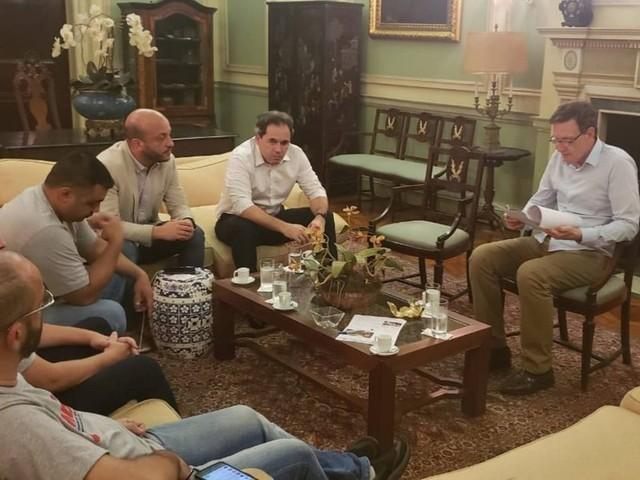 Vereadores aprovam projeto de Crivella que anistia parcialmente multas de vans