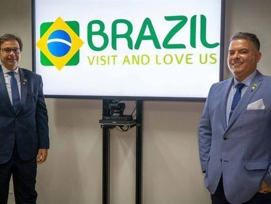 "Jair Bolsonaro to Promote ""Brazil Week"" to Improve His Image Abroad"