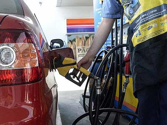 Governo dobra tributo e preço da gasolina pode aumentar em R$ 0,41