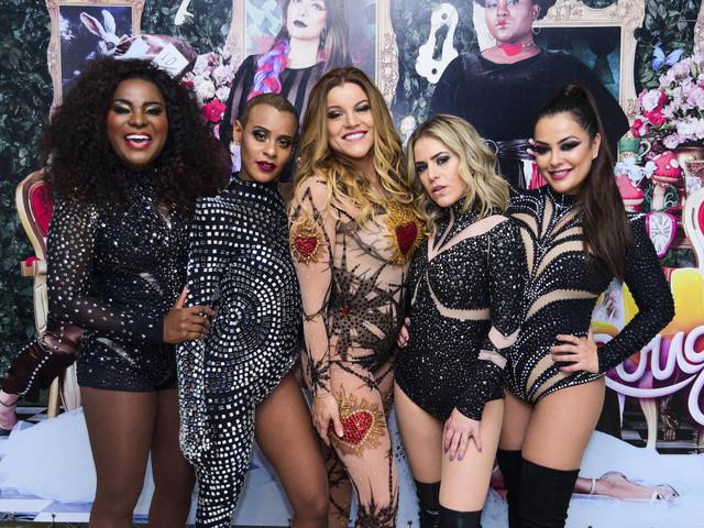 Rouge faz vídeo de Natal inspirado em 'Meninas Malvadas'
